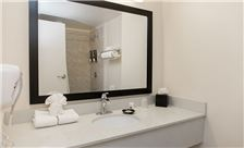 bathroom-02-at-chicago-south-loop-hotel