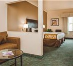deluxe-single-king-01-at-chicago-south-loop-hotel